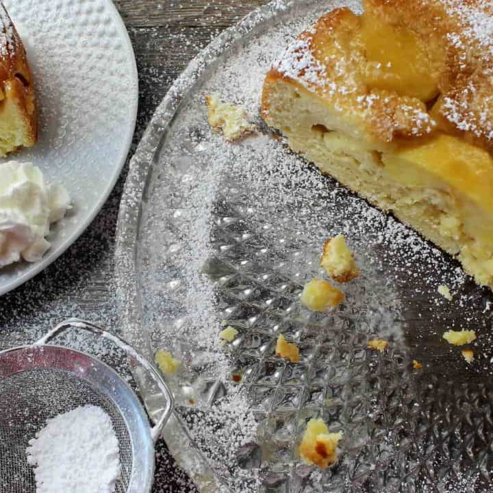 german sour cream apple cake