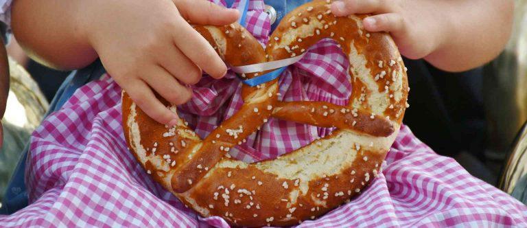 How to Make Pretzels – Authentic Bavarian Pretzel Recipe